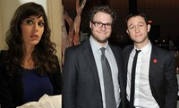 Lizzy Caplan se une a Seth Rogen y Joseph Gordon-Levitt en lo nuevo de Jonathan Levine