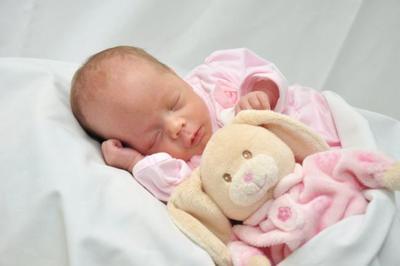 Disminuyen las muertes en bebés prematuros extremos