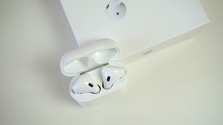 Airpods Review En Su Funda