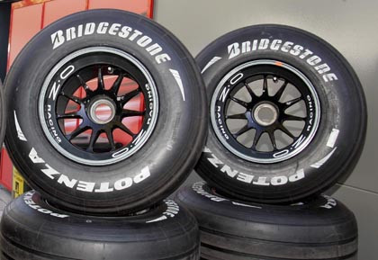 ¿Lleva neumáticos blandos o duros?