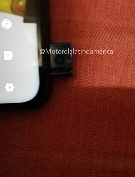 Motorola Smartphone Camara Pop Up