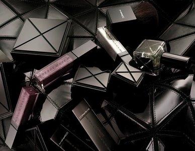 Gareth Pugh y su colección junto a MAC: aires futuristas para tu maquillaje