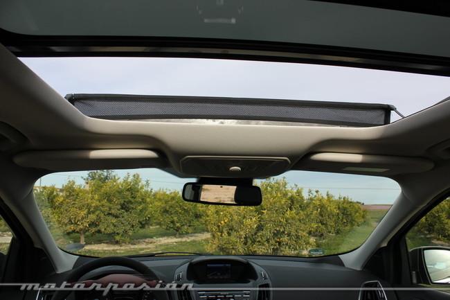 Ford Kuga 2013, techo solar