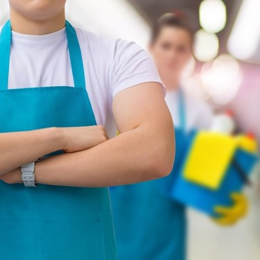 Cómo limpiar los electrodomésticos y utensilios de cocina más rebeldes, que no puedes meter en el lavavajillas
