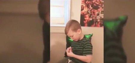 Un niño con Síndrome de Tourette hace un vídeo con ayuda de su hermana para que sus compañeros dejen de burlarse