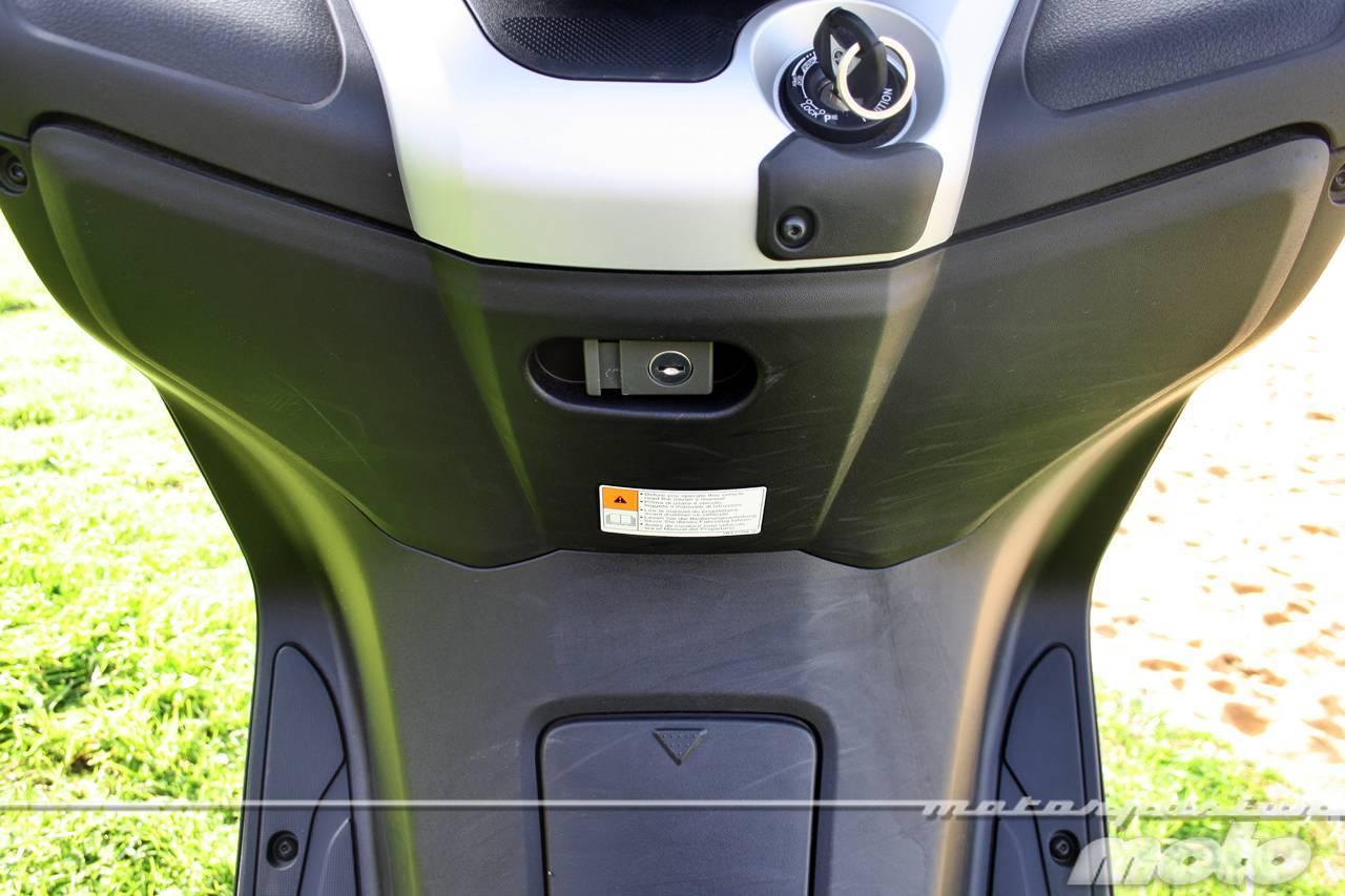 Foto de Yamaha X-MAX 125, prueba (valoración, ficha técnica y galería) (25/46)