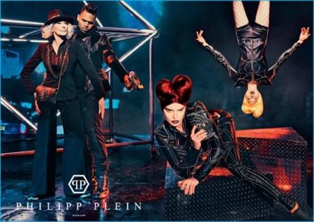Phillip Plein reúne en su campaña de otoño a Chris Brown con la icónica modelo Carmen Dell'Orefice