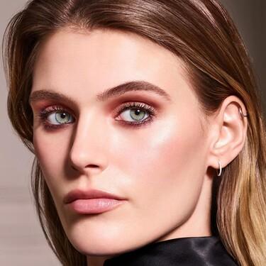 La preciosa colección de Laura Mercier RoseGlow está pensada para resaltar la luz que tiene la piel durante el verano