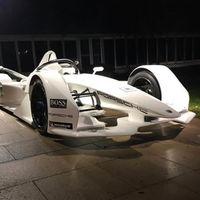 Porsche no quería que vieras aún su coche para Fórmula E, pero sus pilotos lo sacaran de todos modos en sus historias de Instagram