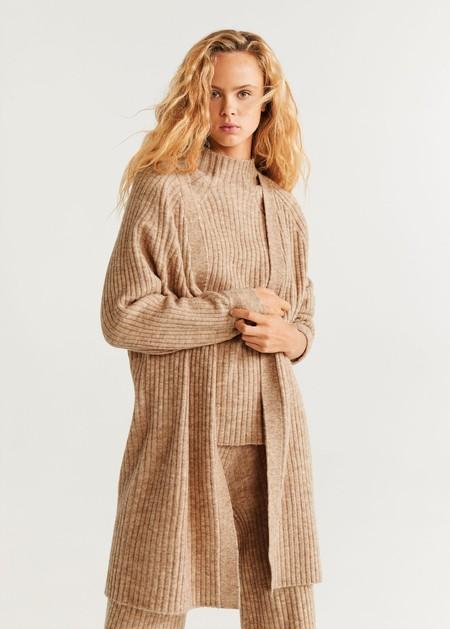 https://shop.mango.com/es/mujer/jerseis-y-cardigans-cardigans/cardigan-canale_67070509.html