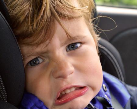 ¿Es seguro dejar al niño solo dentro del coche en verano? Piénsatelo dos veces antes