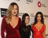 Las Kardashian no se podían perder los Oscar, aunque fuese de fiesta con Elton John... y Britney Spears