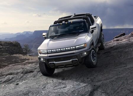 """GMC Hummer EV: 1,000 hp para una """"supercamioneta"""" que cambiará todo lo que conocías de las pick up"""