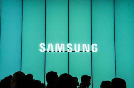 Samsung experimenta con un smartphone con doble pantalla, ¿más cerca de los dispositivos plegables?