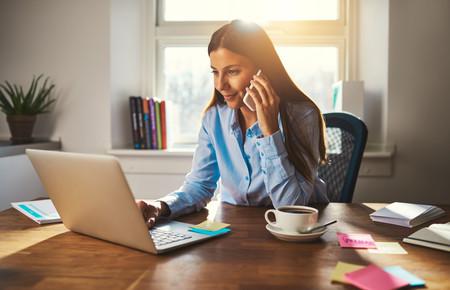 Las claves para mantener una postura correcta trabajando delante del ordenador