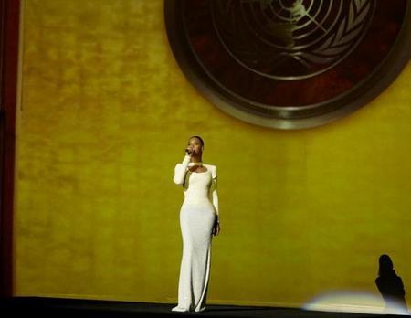 Beyoncé nos deja 'anONUdados' con su acción musical-humanitaria