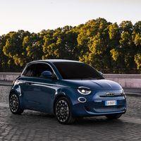 El Fiat 500e eléctrico estrena una edición especial con techo panorámico y 320 km de autonomía, desde 34.900 euros