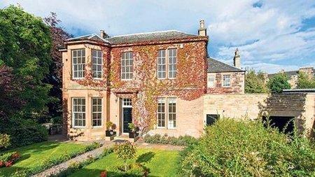 ¿Quieres vivir en la casa de J.K. Rowling? ¡Ahora puedes!