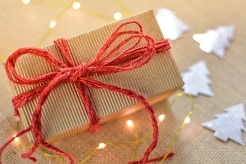 Guía de celulares gama alta recomendados para regalar esta Navidad en Colombia