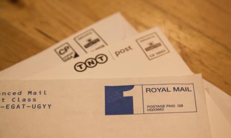 Cómo invertir el orden de lectura de los correos en las conversaciones de Mail para macOS