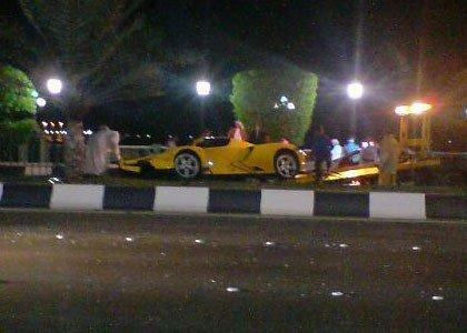 Ferrari Enzo accidentado en Abu Dhabi