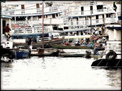 En barco por el Amazonas, mucho mas que transporte