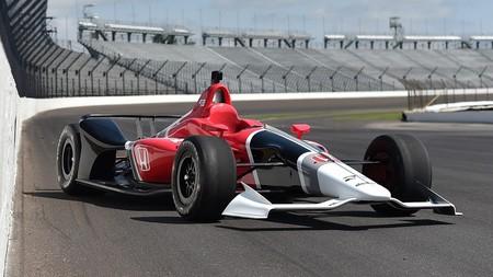 Video: Los nuevos autos de la IndyCar saltan a la pista por primera vez