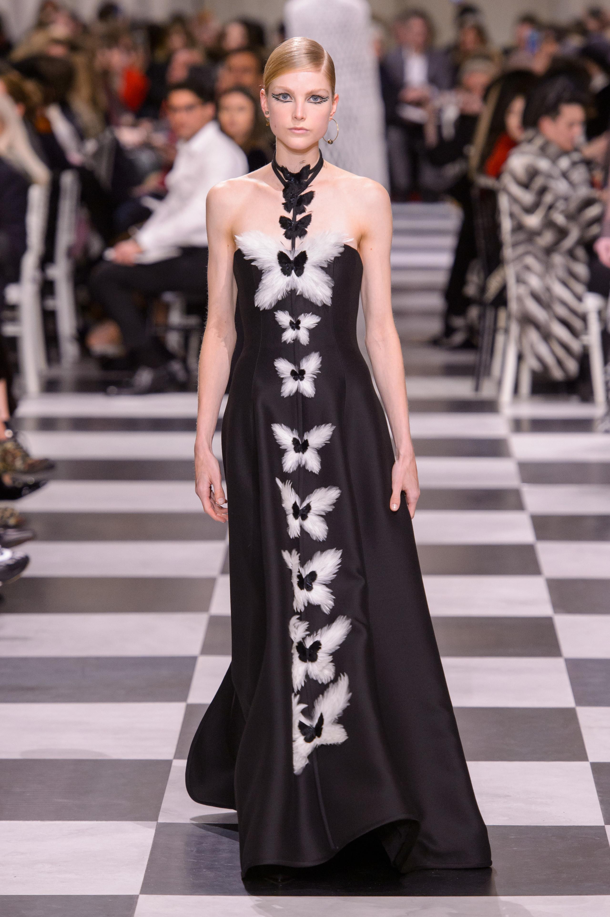 Dior Alta Costura: Maria Grazia Chiuri y su mágico desfile en blanco y negro Primavera-Verano 2018