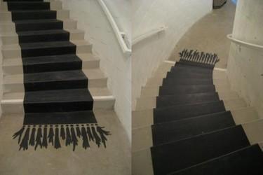 Una buena idea: un trampantojo en las escaleras