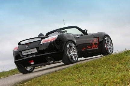 Königseder Opel GT: los <em>flamings</em> no son para un europeo