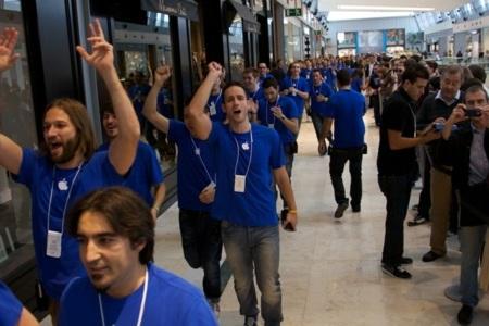 apple store zaragoza empleados inauguración