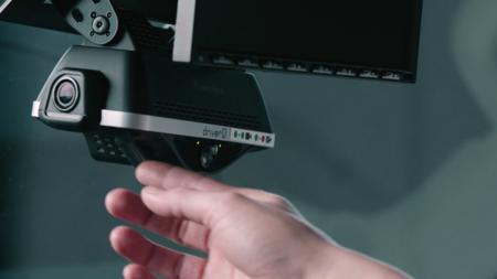 Amazon instaló cámaras IA en sus furgonetas. Resultado: sus trabajadores están perdiendo mucho dinero