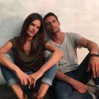 Jesús Castro y sus ojazos posan con Alessandra Ambrosio