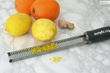 Esta es la mejor forma de usar un rallador Microplane, el utensilio favorito de chefs, cada vez presente en más cocinas domésticas