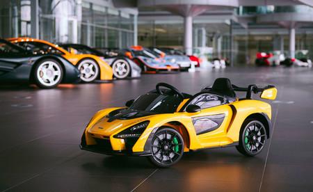 Este McLaren Senna es un extremo coche de juguete que imita el rugido de su V8 y tiene hasta sistema multimedia