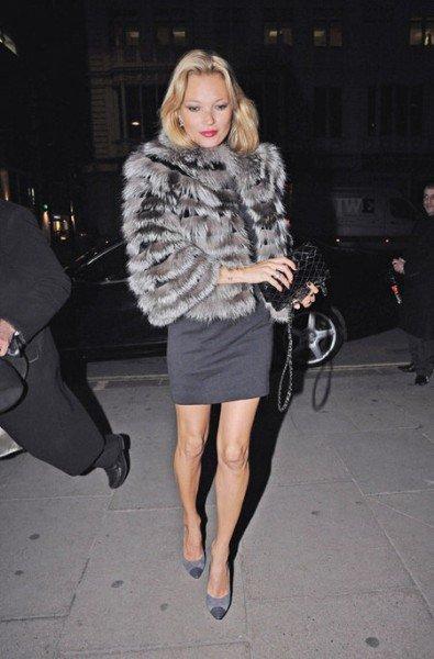 ¿Te apuntas al look en gris de Kate Moss?