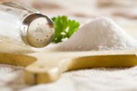 Conoce cuánta sal ingieres cuando consumes algunos alimentos