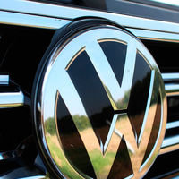 Volkswagen acompañará el lanzamiento de su eléctrico ID.3 con un nuevo logo, que volverá a ser bidimensional