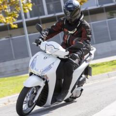 Foto 16 de 19 de la galería honda-scoopy-sh125i-2013-prueba-valoracion-galeria-y-ficha-tecnica-fotos-accion en Motorpasion Moto