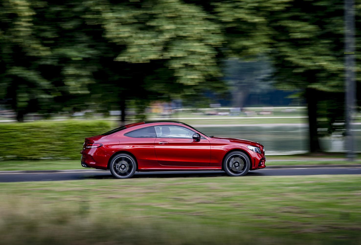 Foto de Mercedes-Benz Clase C 2018, toma de contacto (6/255)