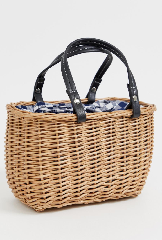 Bolso estilo cesta con estampado negro y detalle de vichy de New Look