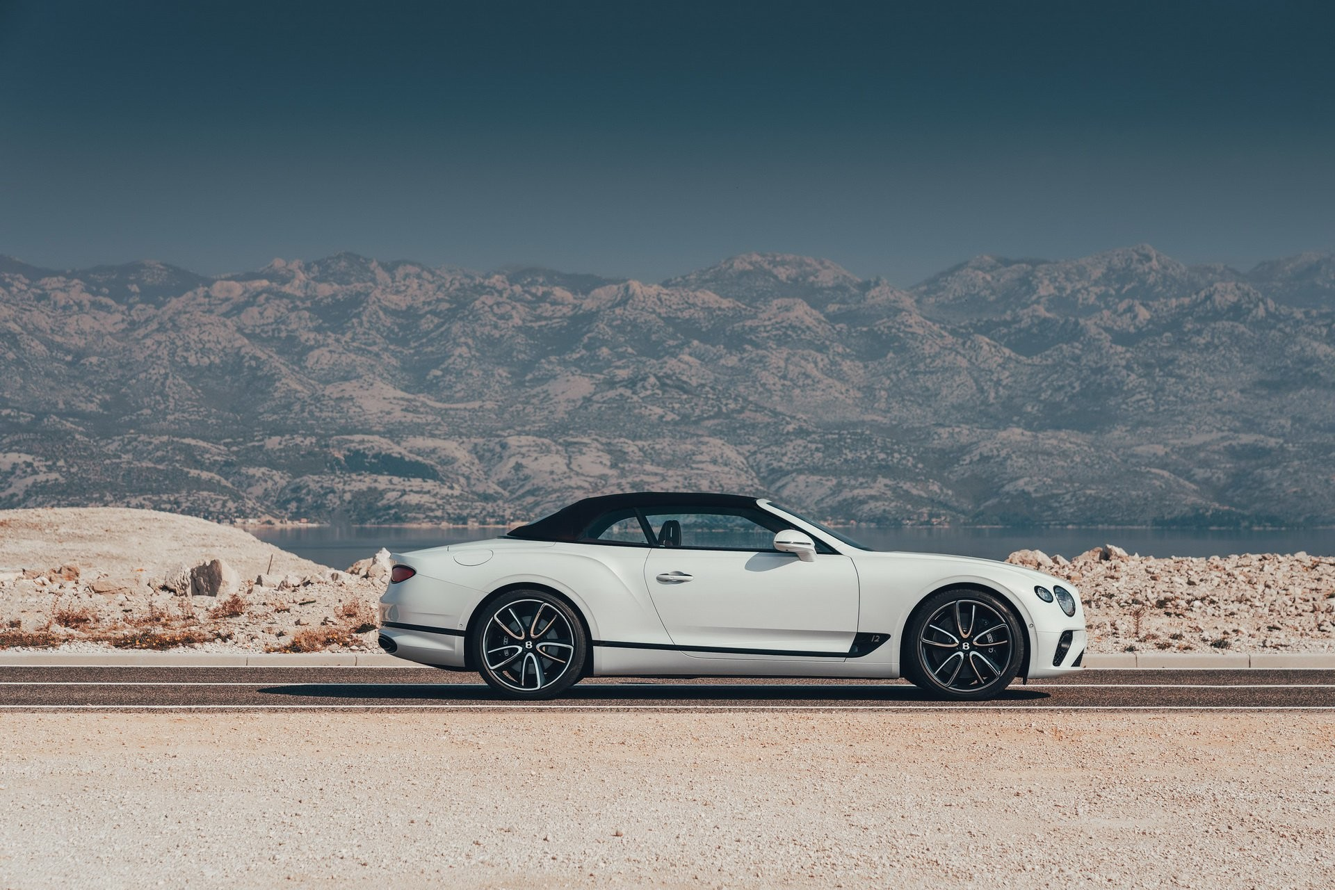 Foto de Bentley Continental GT Convertible 2019 (13/35)