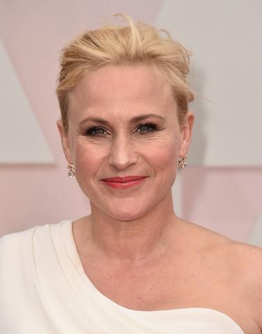 ¿Triunfará Patricia Arquette en los Oscar? Clásica y de blanco y negro para la alfombra roja