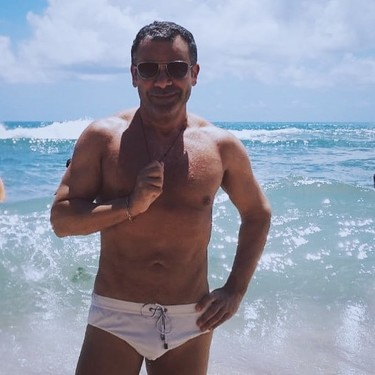 ¿Es un viceverso, es el extra de Mario Casas? No... ¡Es Jorge Fucker Vázquez!