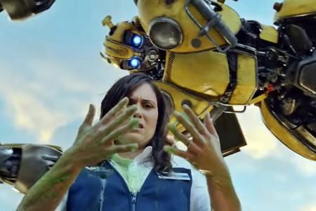 Desde KITT hasta el coche de 'Los Cazafantasmas': Walmart lo borda con su anuncio de los Globos de Oro