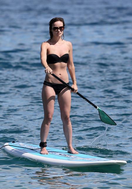 Verano en forma con las celebrities: Olivia Wilde luce cuerpazo con el paddle surf