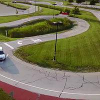 Este concesionario de Subaru tiene su propia pista de pruebas: ¡el sueño de todo cliente!