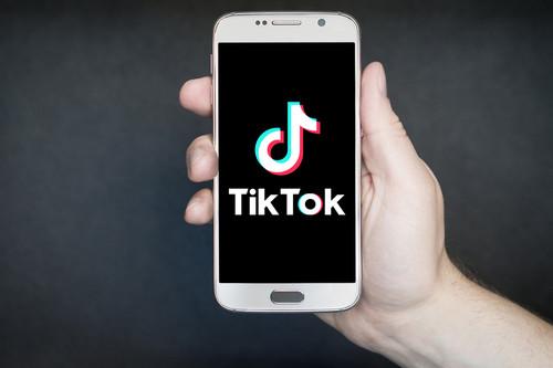 La fórmula de la atracción inmediata de TikTok: contenidos en abierto para enganchar y un potente algoritmo para la fidelización