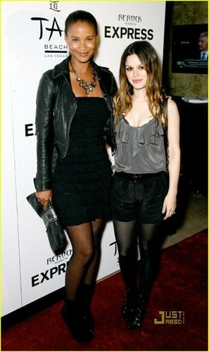 Rachel Bilson y Joy Bryant en el lanzamiento de Re Rock Denim by Express