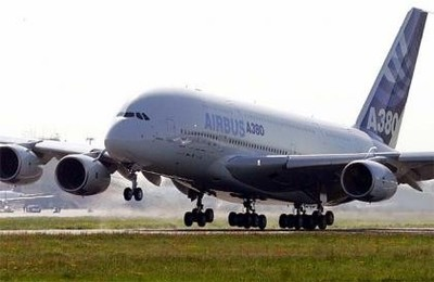 La gira del Airbus A380, un peculiar homenaje a los trabajadores de EADS